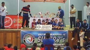 Meadowridge U8A receive the plate trophy